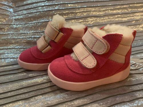 UGG GIRL/ PINK SUPER SHOES SIZE S 6-12 Months