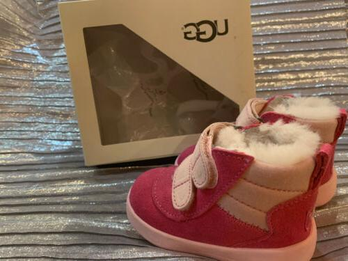girl toddler walking pink azale super cute