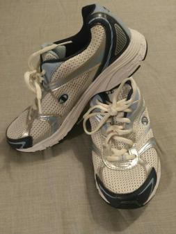 CHAMPION Women's Walking Shoes, Size 8.5 BRAND NEW!